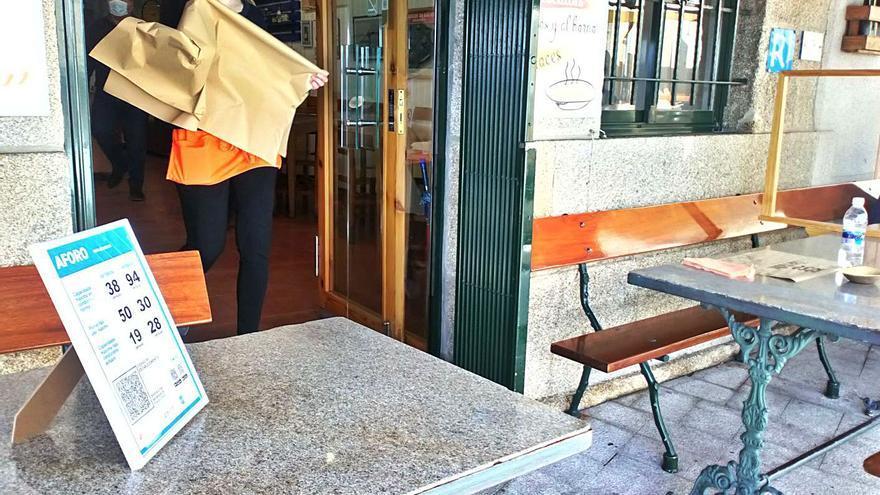 """La Xunta propone un convenio a los concellos para """"simplificar"""" el reparto de ayudas a la hostelería"""