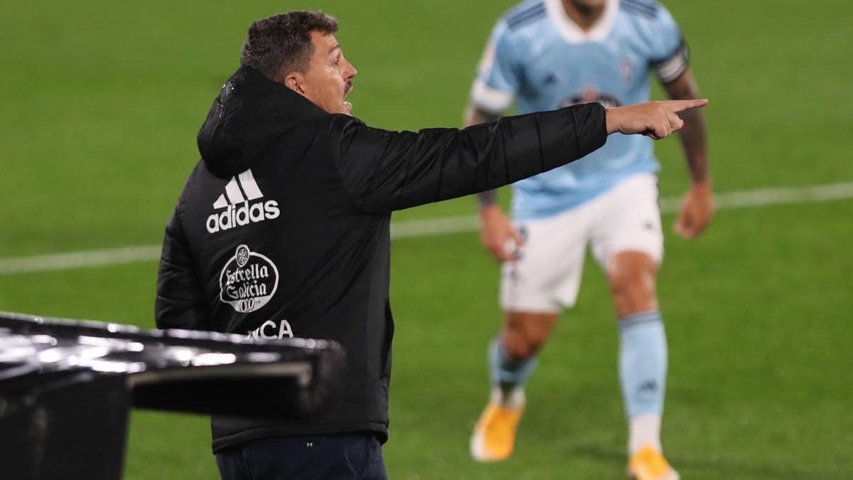 Óscar García durante el partido del Celta contra el Barça.