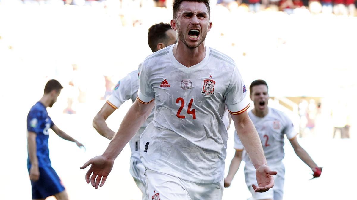 Laporte marca el segundo gol de España ante Eslovaquia.
