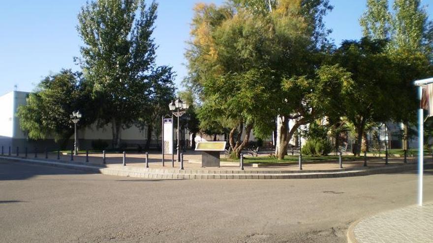 La Diputación mejora la accesibilidad de la piscina municipal de La Granjuela