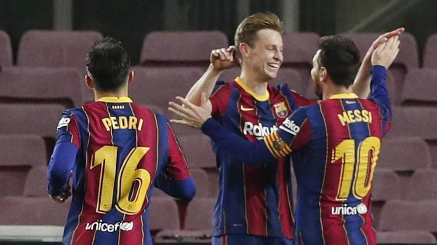 El Barça recibe al Huesca para seguir a la caza al líder