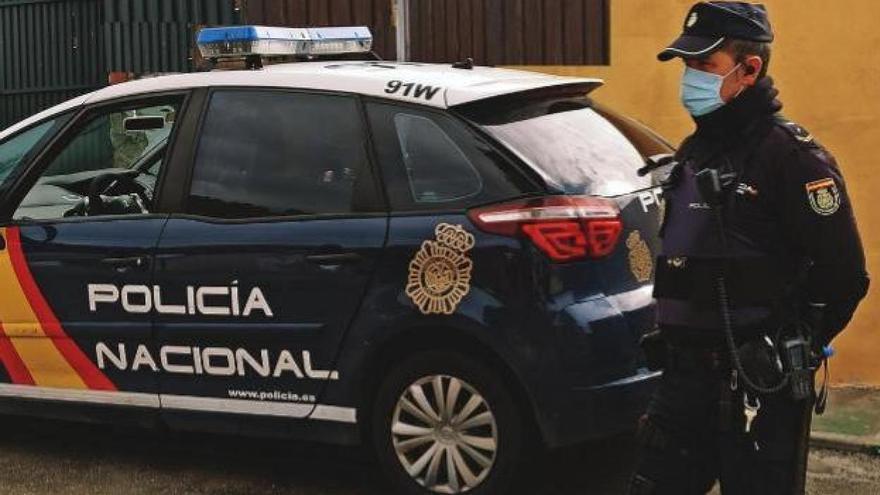 Dos detenidos por agredir con catanas a dos ocupas de una casa de San Juan