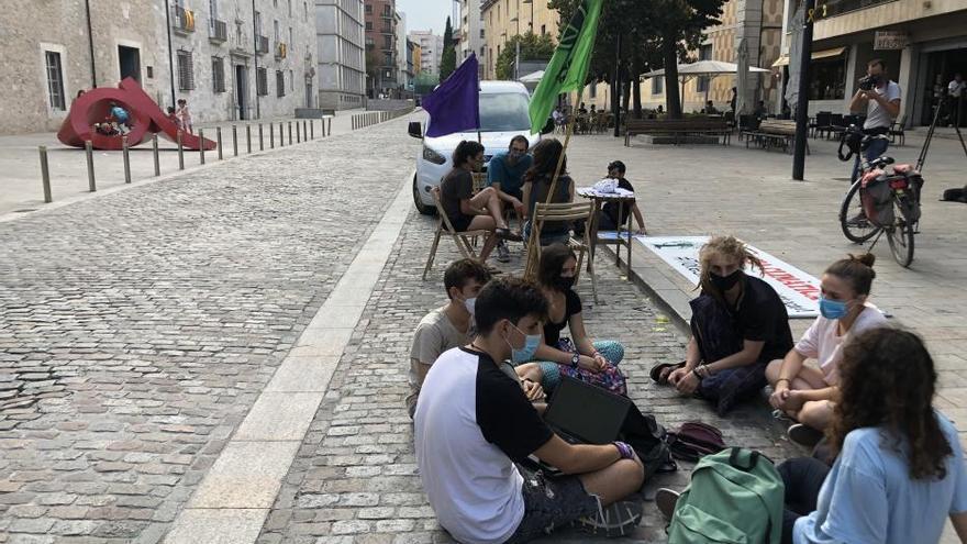 """Ocupació d'aparcaments a Girona per """"retornar-los a les persones"""""""