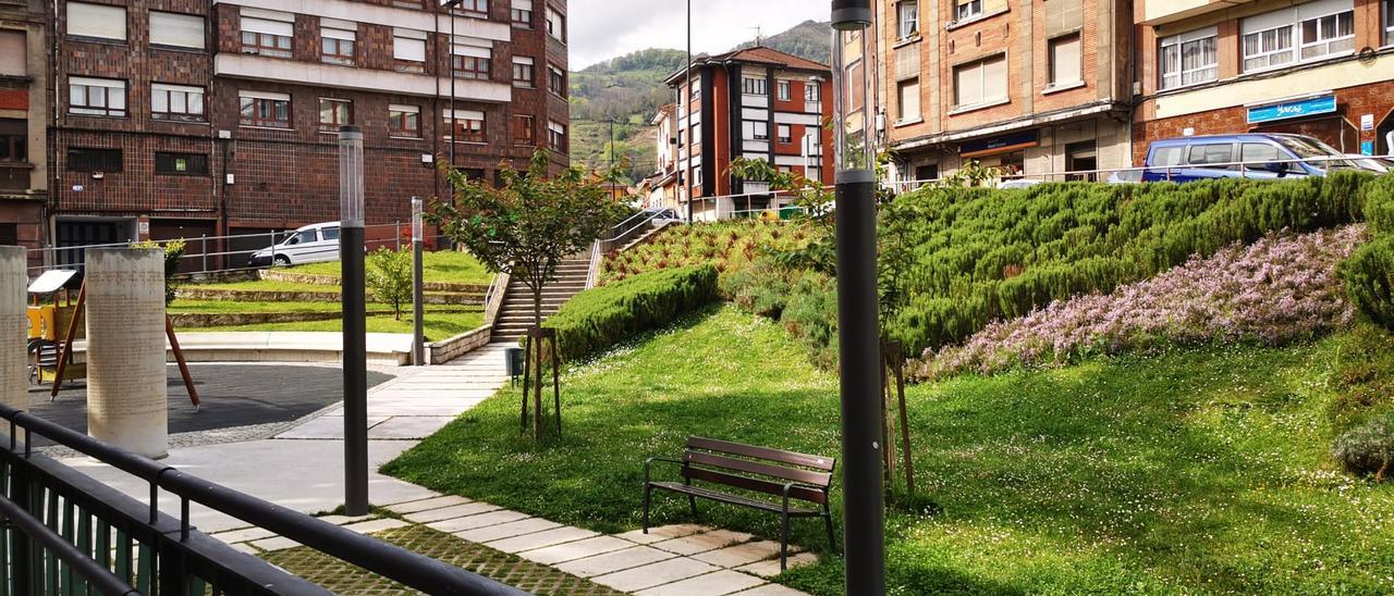 Jardines del Ayuntamiento de Lena