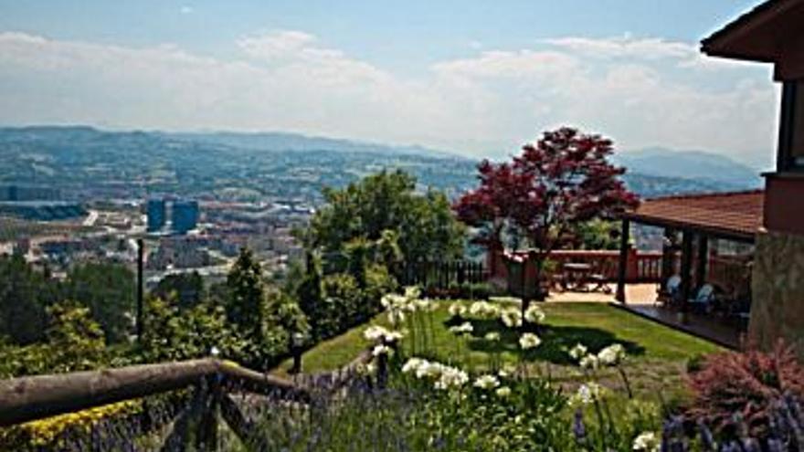 525.000 € Venta de casa en Parroquias de Oviedo (Oviedo) 375 m2, 7 habitaciones, 8 baños, 1.400 €/m2...