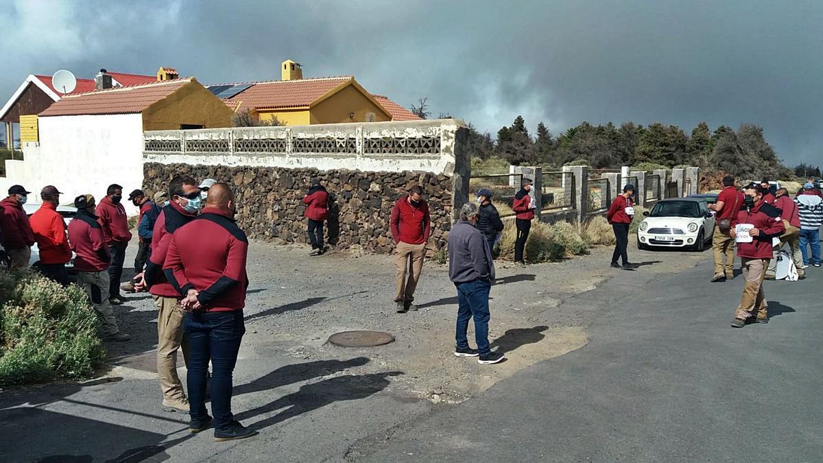Trabajadores de Tragsa protestan en el Parque Nacional del Teide, la semana pasada. | | E.D.