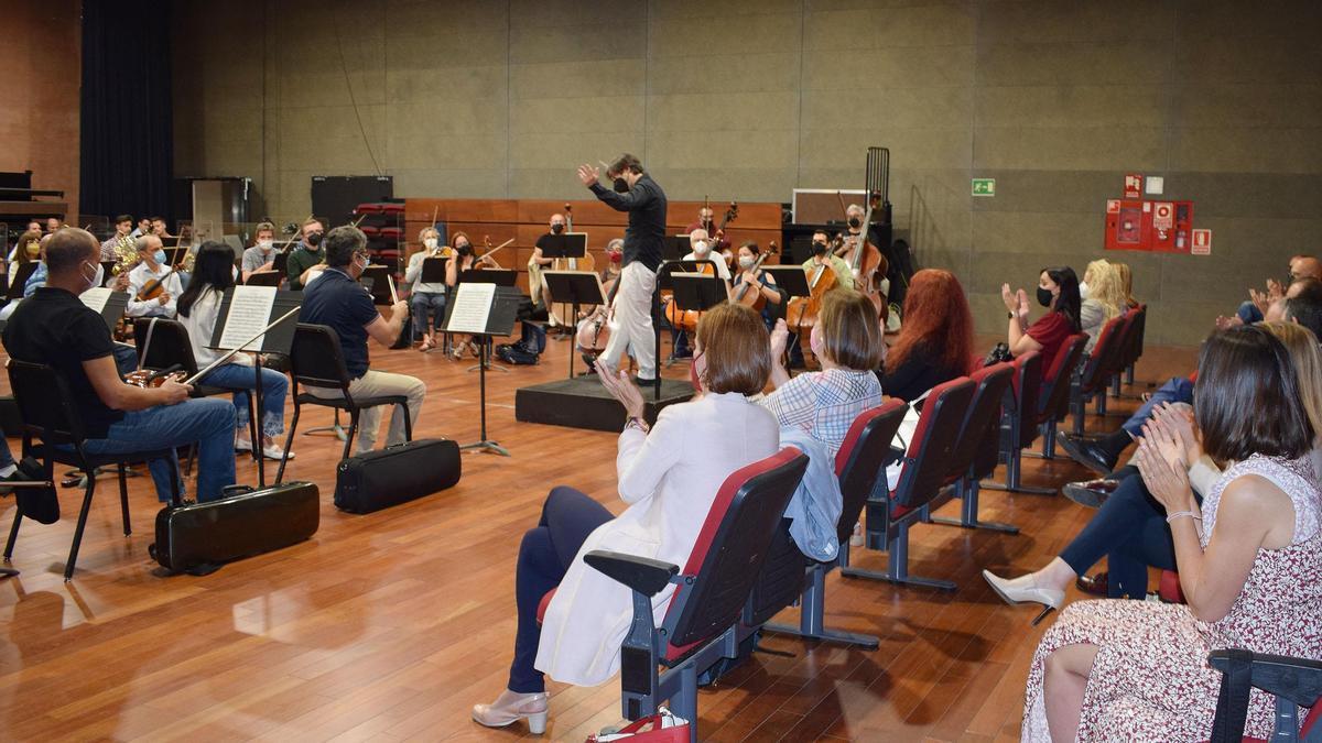 Durante el encuentro la Orquesta interpretó una pieza de la 'Carmen' de Bizet.