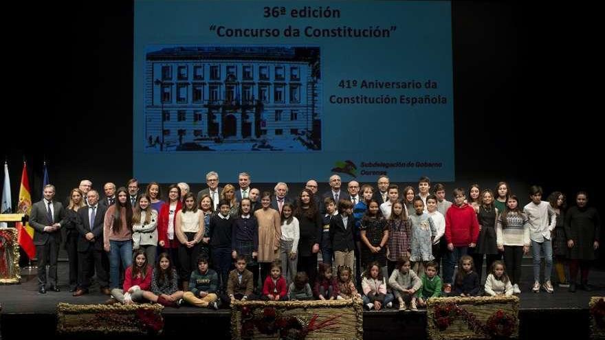 Ourense apela en el Día de la Constitución al derecho a nacer en hospitales comarcales