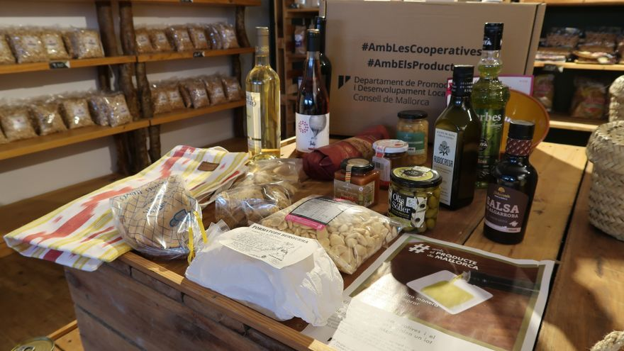 Un total de 300 lotes de productos han sido repartidos con la campaña 'Amb el producte de Mallorca'