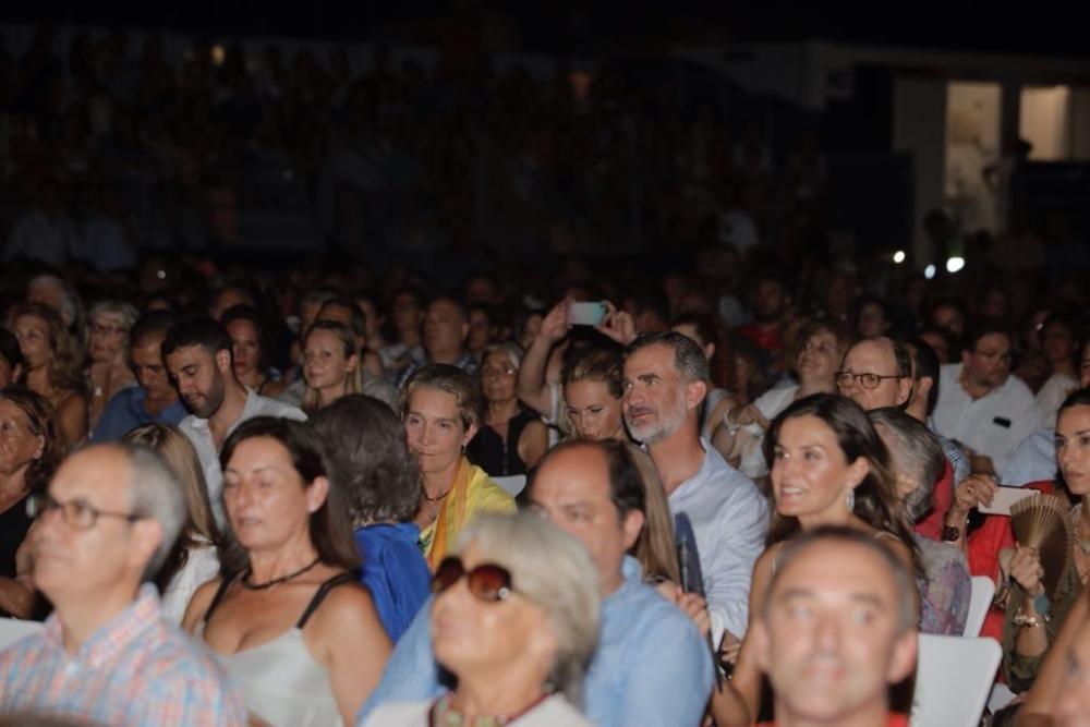 Los Reyes disfrutan con Ara Malikian en Port Adriano