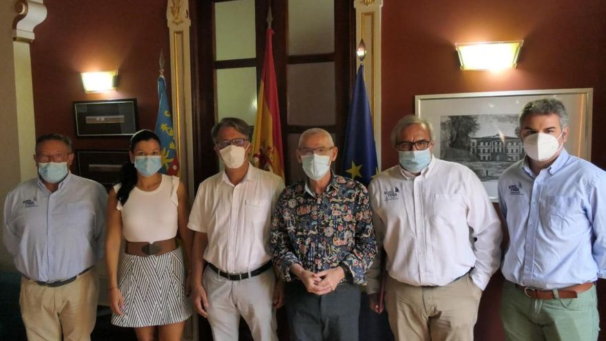 Alboraia y la Federación de Vela afianzan su colaboración con la firma de un convenio