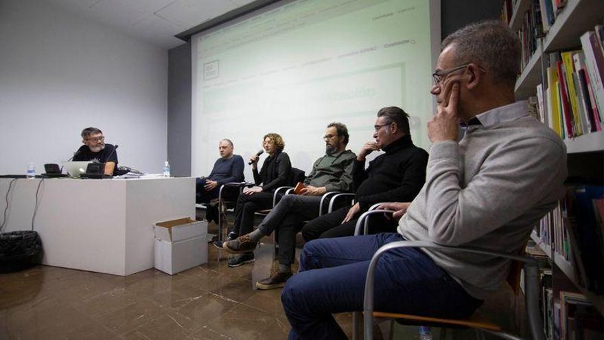 Los artistas de la Comunitat debaten sobre su oficio en Castelló