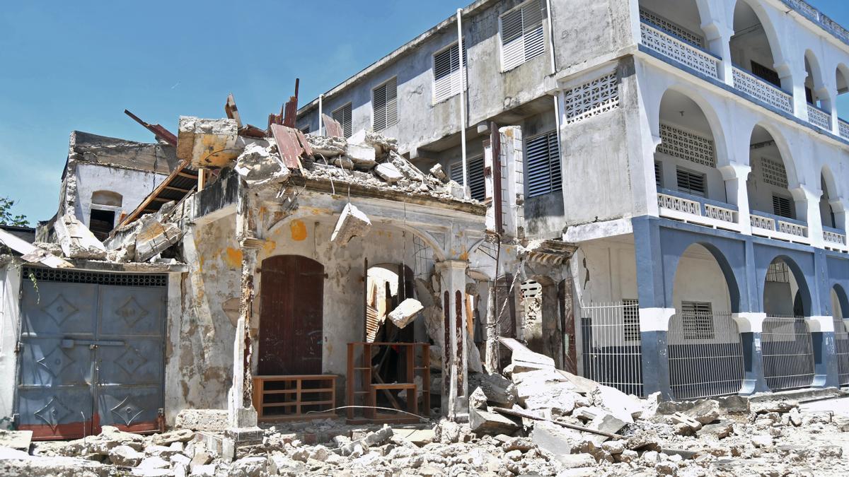 Destrozos provocados por el seísmo en Puerto Príncipe