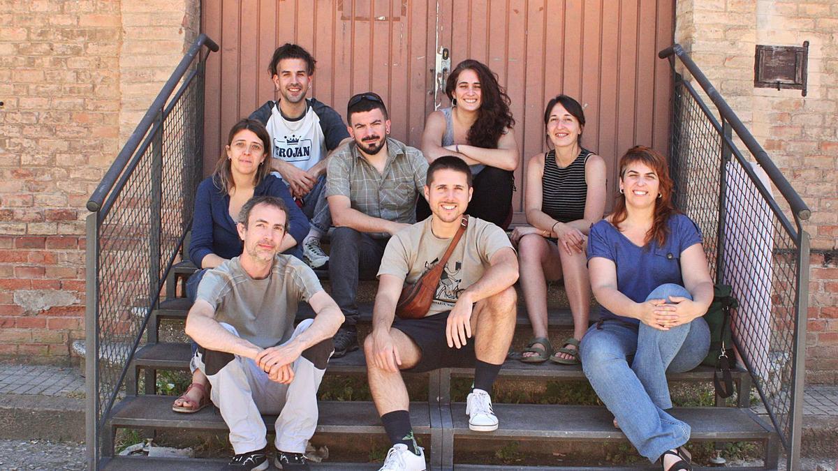 L'equip de l'editorial manresana Tigre de Paper, en una imatge a l'Anònima,  va celebrar el juny la seva primera dècada de vida | SUSANA PAZ