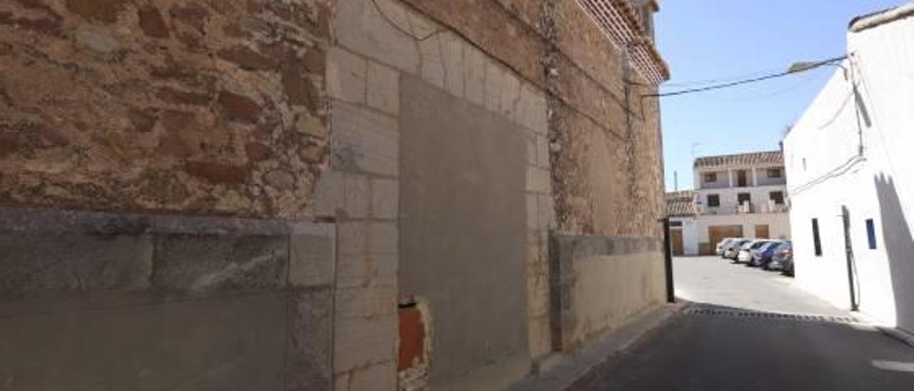 La Puerta Santa de la iglesia de Benavites.