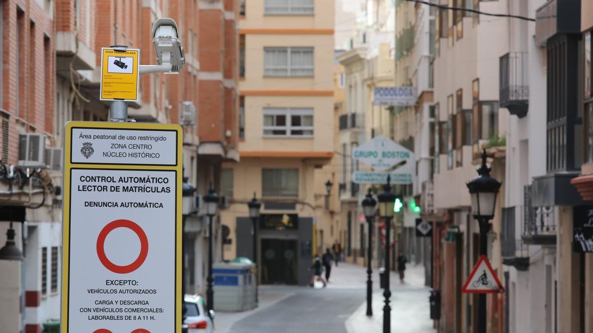 Imagen de una cámara en la calle Ruiz Vila de Castelló.
