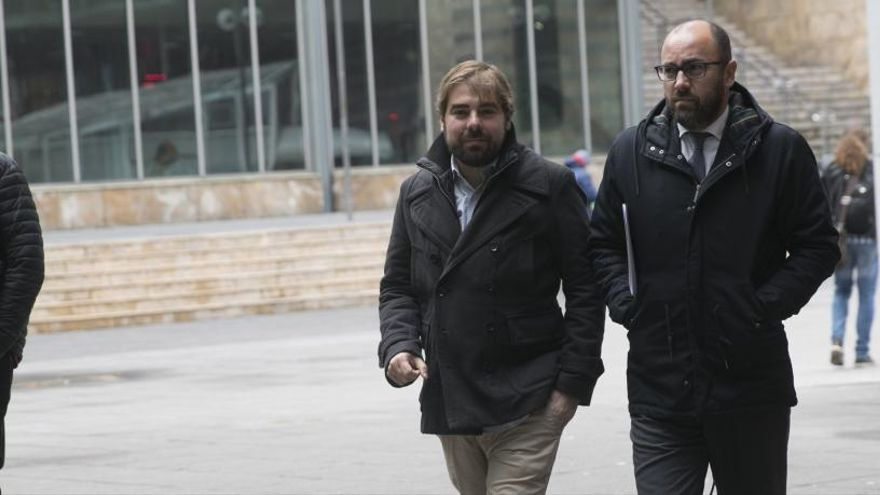 """Ripa ve """"muy nerviosa"""" a """"mucha gente de PP y PSOE"""""""
