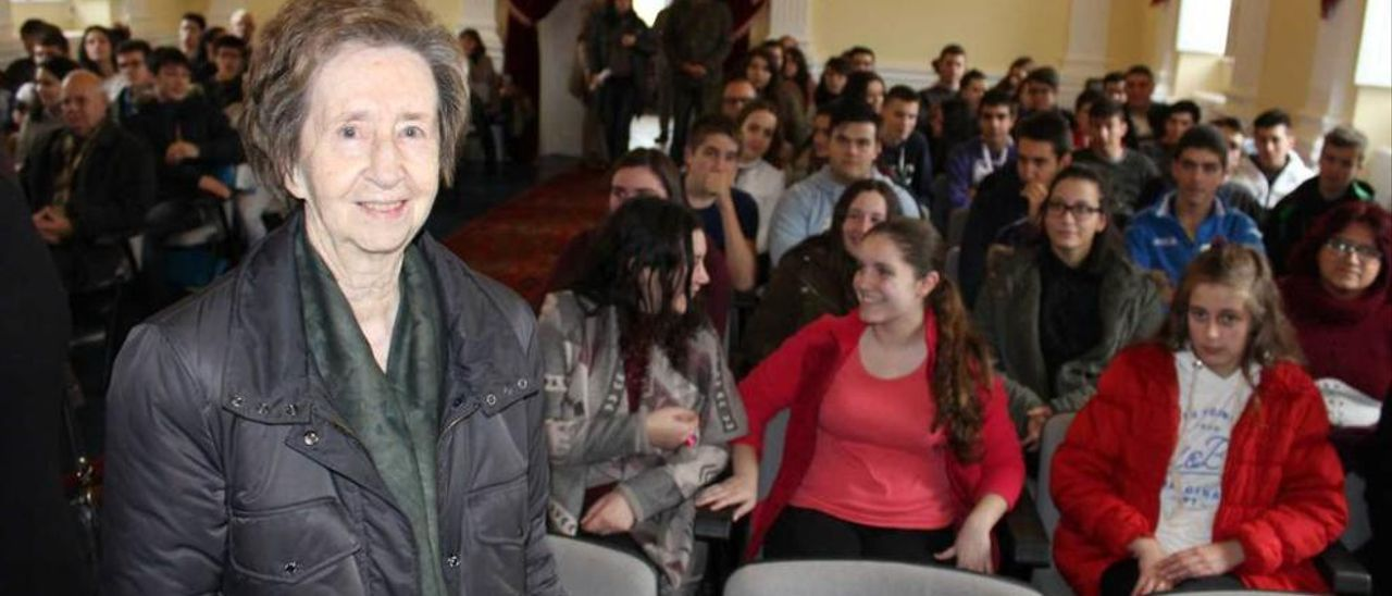 Margarita Salas, ayer, en la Casa de Cultura de Castropol.