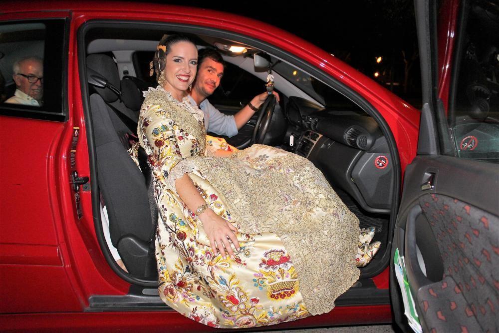 """Laura Fabra abandona la Fonteta en su """"coche oficial""""..."""