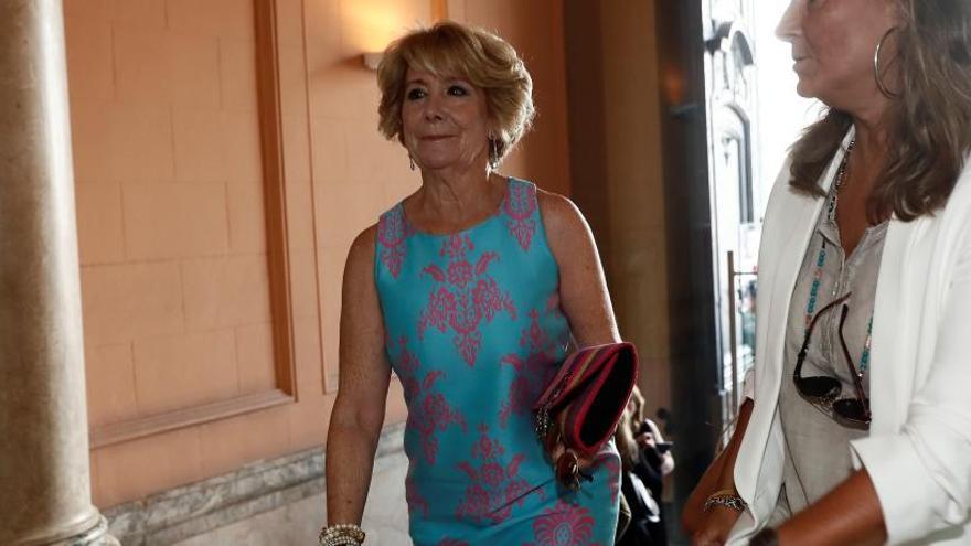 Esperanza Aguirre en la toma de posesión de Ayuso.