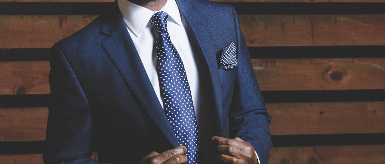 Cómo hacer el nudo de la corbata