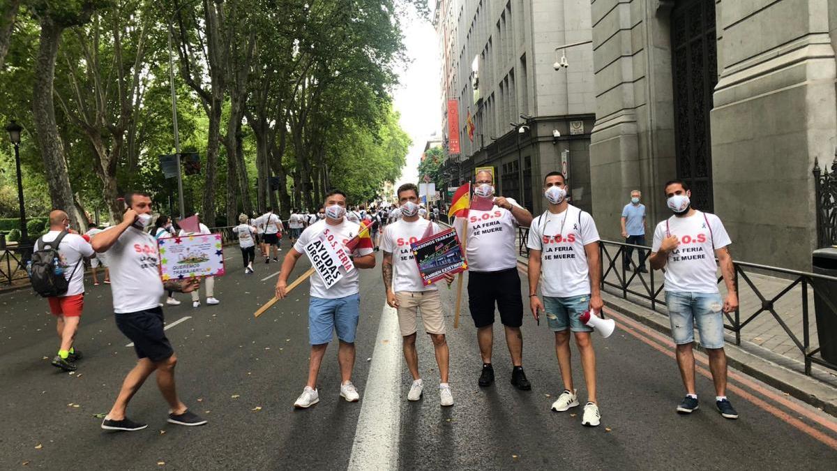 Los feriantes de la Región protestan en Madrid por el parón en el sector