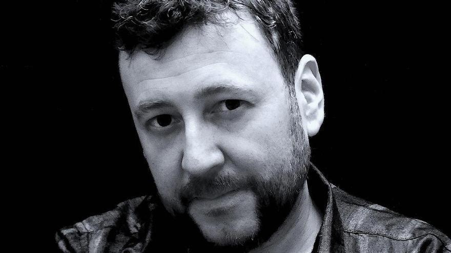 Mario Cuenca Sandoval retrata una Espanya post-pandèmia governada per l'extrema dreta en la novel·la 'LUX'