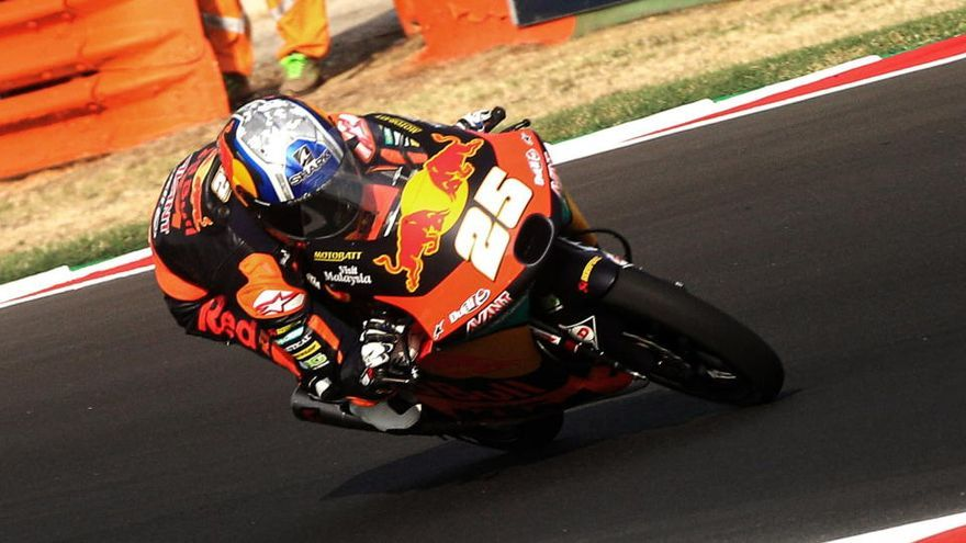 Raúl Fernández suma una nueva 'pole' en Moto3