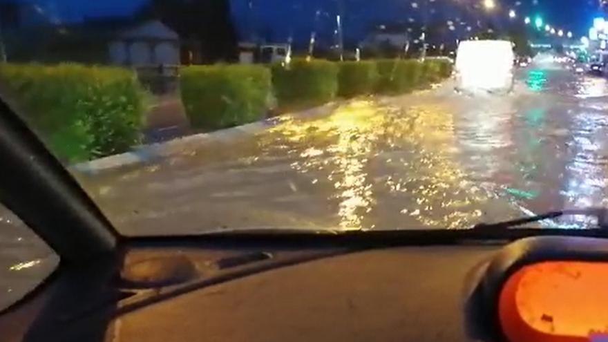 La tormenta inunda calles en Molina de Segura