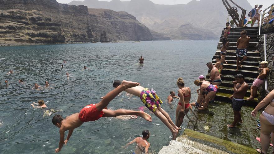 Temperaturas por encima de los 30 grados y viento el fin de semana en Canarias