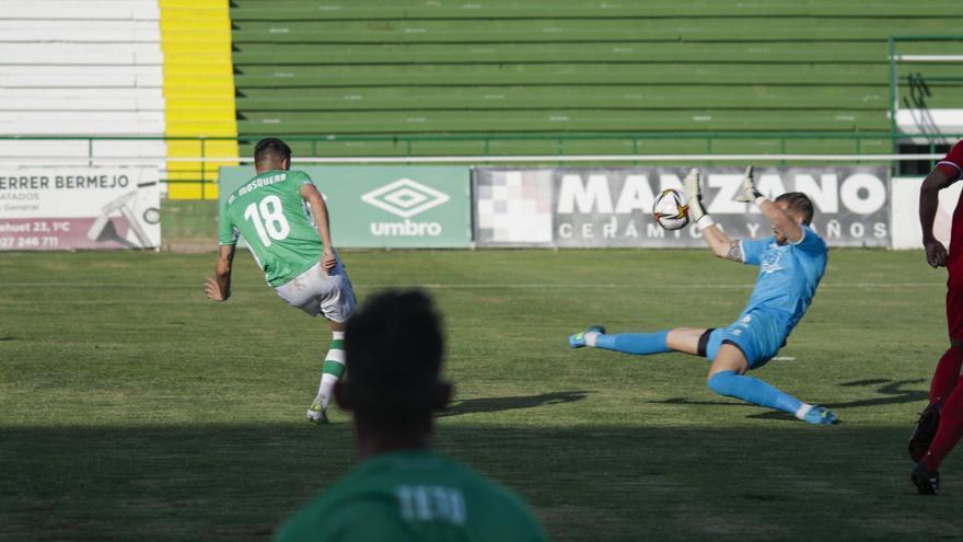 Cacereño, Mérida, Villanovense, Extremadura y Badajoz, a prueba este domingo