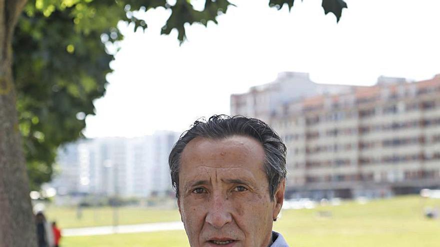 """Abel, futbolista del Sporting que jugó la final de Copa de 1981: """"Nos podíamos comparar con Madrid y Barça"""""""