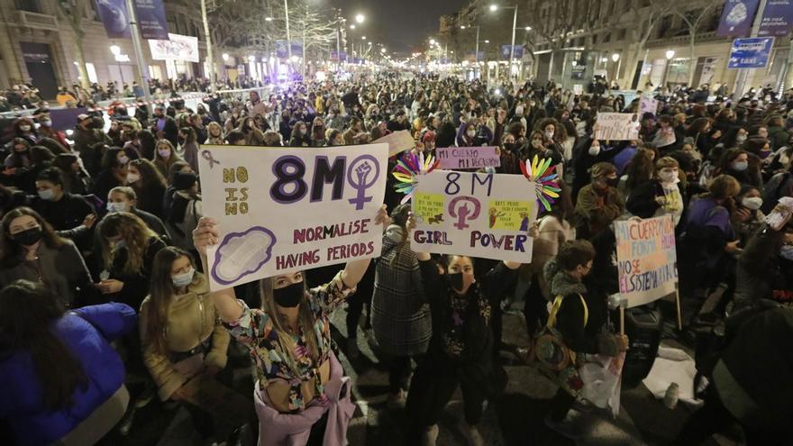 Un hombre ataca con gas pimienta a cinco mujeres en la manifestación de Barcelona