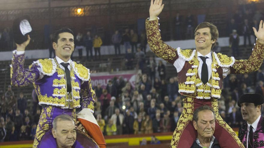 El Juli y Talavante desorejan en una tarde en Castelló sin demasiado fondo