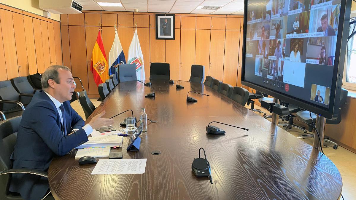 El alcalde, Augusto Hidalgo, durante la videoconferencia con el G-15