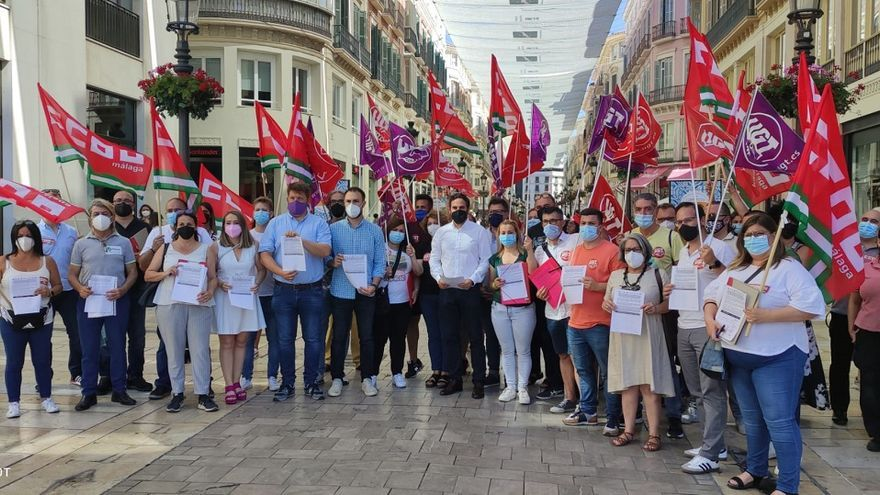 CCOO y UGT inician una campaña de recogida de firmas contra la liberalización de horarios en el comercio de Málaga