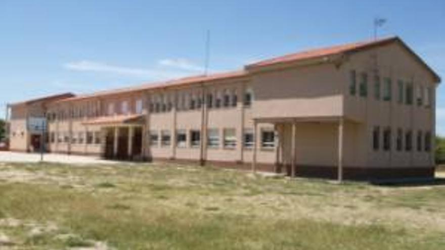 Un aula más en cuarentena en Zamora, en el colegio de Fuentesaúco