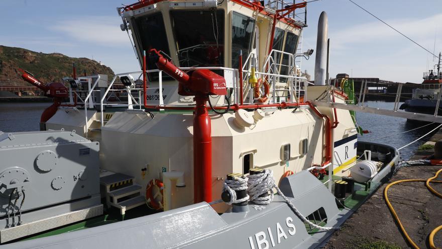 """Así es el """"Ibias"""", el nuevo titán de El Musel para remolcar barcos"""