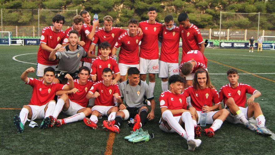 Solo el Real Murcia es capaz de dar la cara entre los equipos de la Región