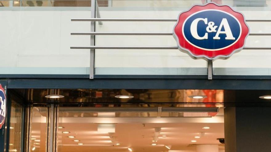 La cadena C&A reabre sus tiendas en Málaga con el aforo restringido al 40%