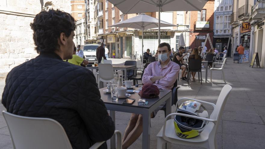 Las terrazas de Zamora situadas en aparcamientos ORA podrán seguir abiertas
