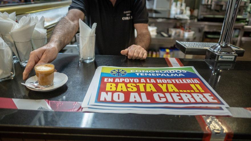 Interior de una cafetería cerrado debido al aumento de casos de Covid en Tenerife.