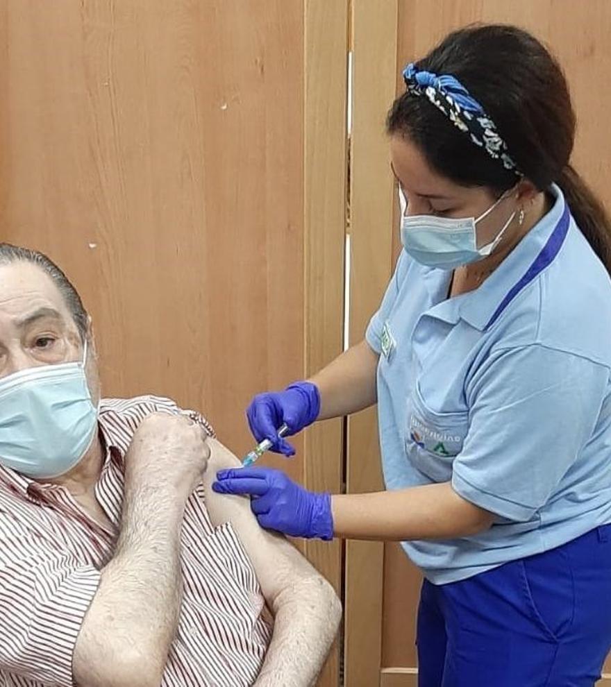 La vacuna contra la Covid se podrá administrar a la vez que la de la gripe y otras enfermedades