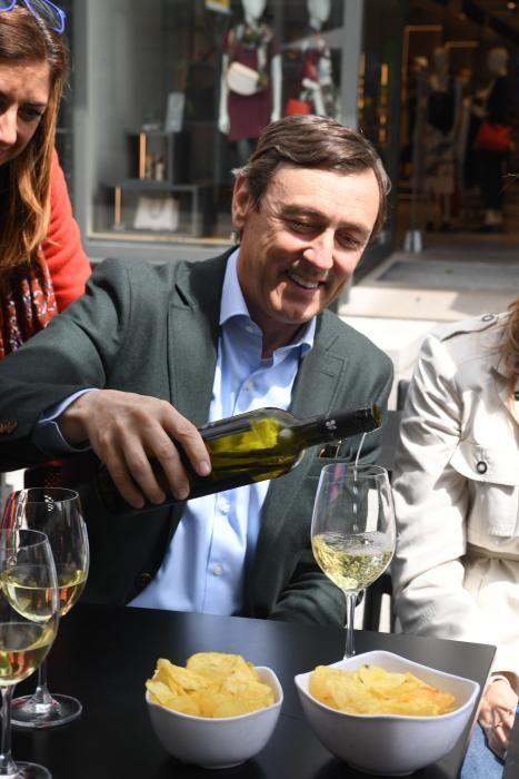 Rafael Hernando en A Coruña en plena campaña 28-A