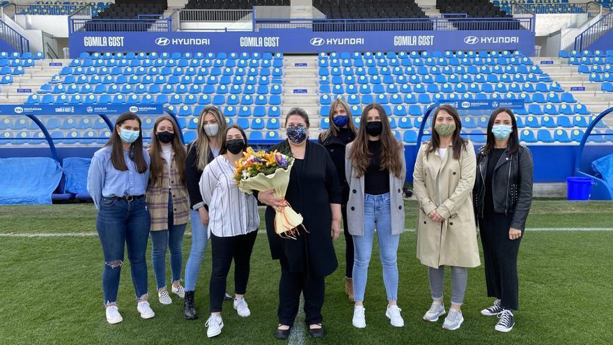 El Atlético Baleares celebra el Día de la Mujer homenajeando a 'Mari'