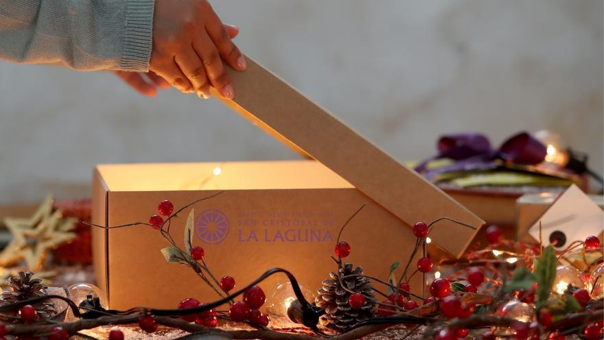 Tarjetas regalo de 35 euros para la compra de juguetes y ropa en La Laguna
