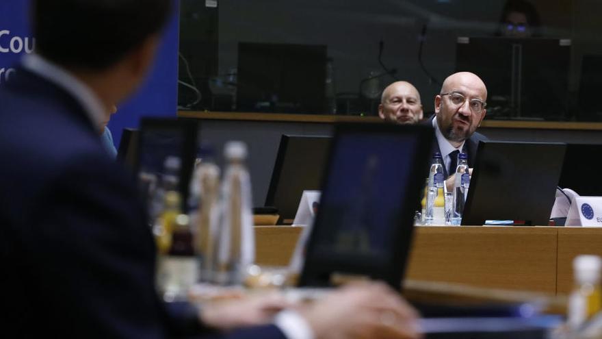 Reunió d'urgència dilluns del comitè de resposta de crisi a la UE per coordinar la resposta a la nova variant del virus