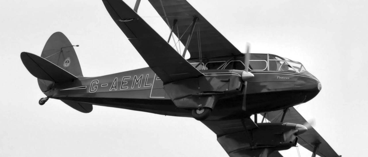 El 'Dragón Rapide', el avión que trasladó a Francisco Franco de Gando a Tetuán el 18 de julio de 1936 y el 19 a Melilla, financiado por el banquero Juan March.