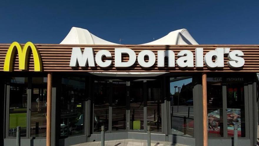 McDonald's cesa a su director ejecutivo por mantener una relación con una empleada