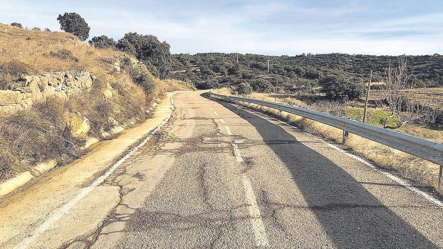 El Consell inicia las obras en la carretera de Portell tras 90 años de parches
